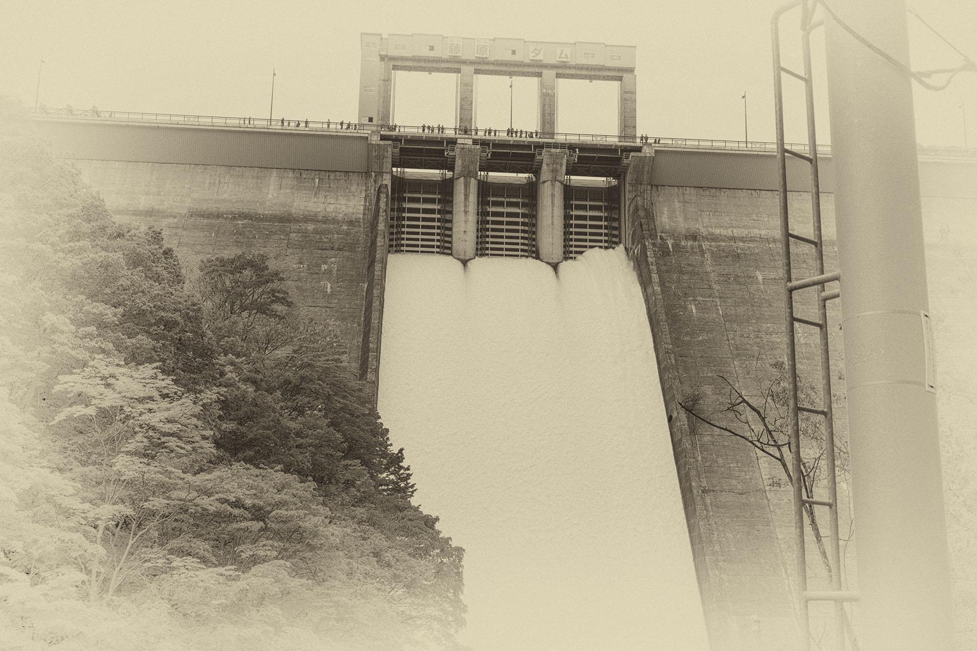 奈良俣ダムと藤原ダムの点検放流2018